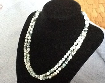 green/white magnesite double strand necklace.