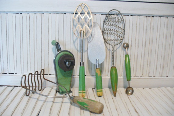 6 Vintage Kitchen Serving Utensils and Gadgets Rustic Country Farmhouse Style Collectibles