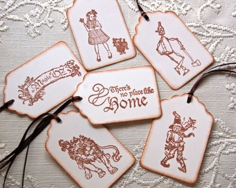 The Wizard of Oz -Set of 6 Assorted Gift Tags (Dorothy and toto, Scarecrow, Tinman, Lion, The Magic of Oz)