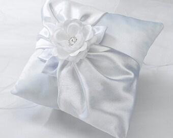 elegant  ring bearer pillow white