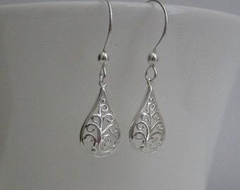 Sterling Silver Earrings. Silver Filigree Teardrop Earrings.Bridesmaid Earrings. Silver Dangle Jewelry. Modern Earrings. Sterling Silver.
