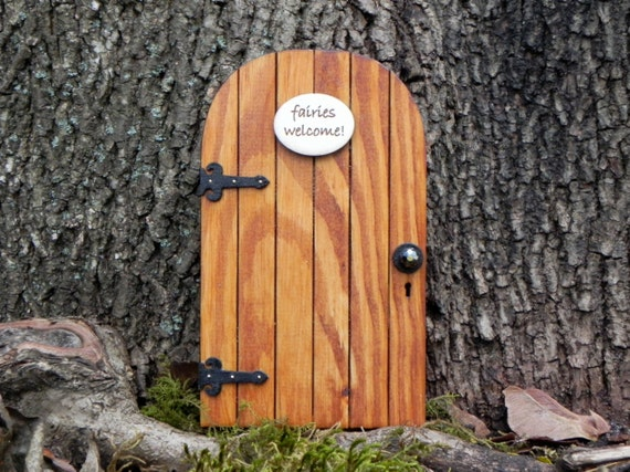 Fairy door fairy garden miniature wood by thelittlehedgerow for Wooden fairy doors