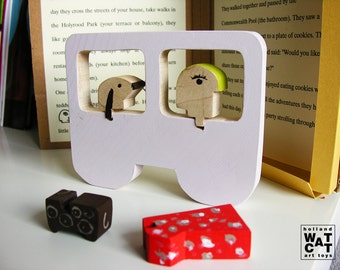 Dalma & Pupo HURBANOS wooden toy with book