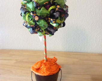 "Haloween Candy Corn and CobWebs Topiary ""Ittsy Bittsy Spider"""