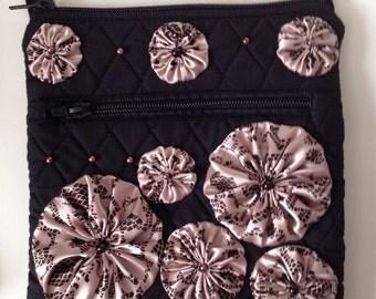 Yo-Yo Flower Embellished Black Quilted Cross Body Purse - Violet Bows