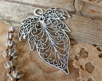 1x Filigree Leaf Charm, Antique Silver Necklace Pendant Jewllery Findings C578