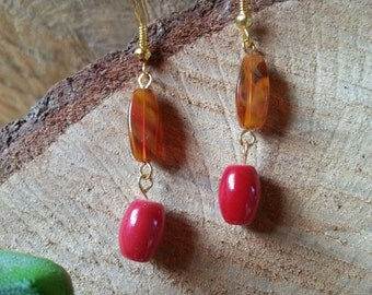 Swirled caramel with a hint of red earrings