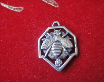 925 sterling silver oxidized Bumble Bee Charm -silver bee charms, insect nature charm,flying bee charm,bumble bee