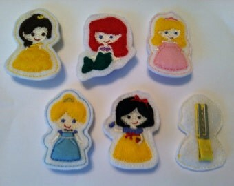 "Set of 5 Princess Clippies and 1-  4"" Interchangeable Bow"