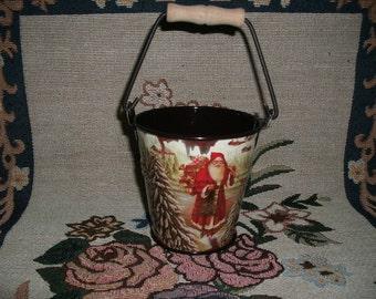 Bucket, Christmas (354)