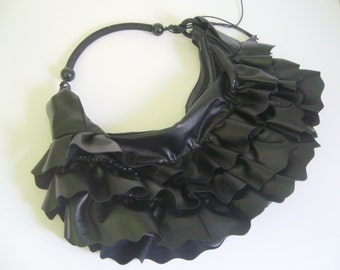 Gothic bag vintage in black  / ruffled bag avant garde