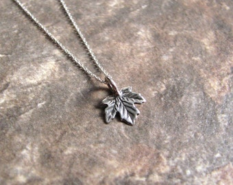 Silver Maple Leaf Necklace- Minimalist Jewelry- Botanical- Nature-Foliage -Autumn- Leaf Charm Necklace- Simple- Everyday Jewelry- Sterling