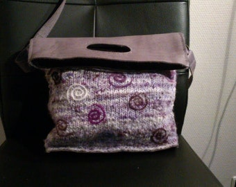 unique bag made of lilac leather and hand-spun wool