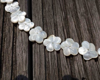 White Mother of Pearl / MOP 15-18mm handmade flower beads (ETB00354)