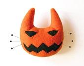 Halloween pincushion. Orange cat pumpkin