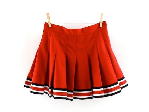Cheerleader Skirt S/M // Vintage Cheerleading Skirt in Red // Pleated Skirt // Pleated Mini Skirt Red // High Waisted Skirt //