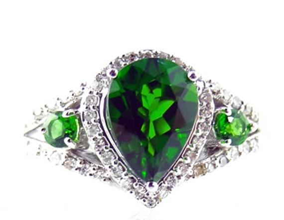 siberian emerald ring 14k white gold by elegantartifacts
