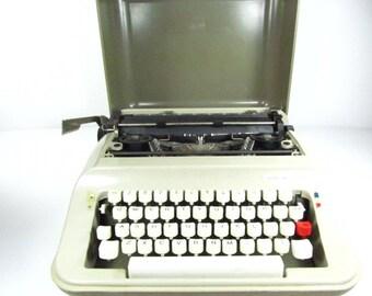 UNDERWOOD 319 Typewriter, Retro Typewriter