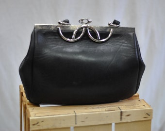 Vintage LEATHER purse ....(334)