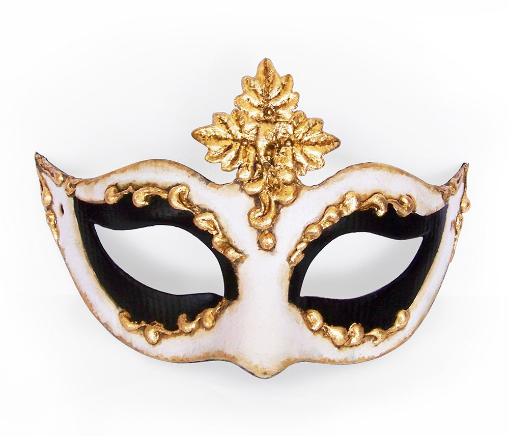 how to look good in a masquerade mask