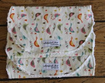 Set of 2 Burp Cloths - Multi Birds