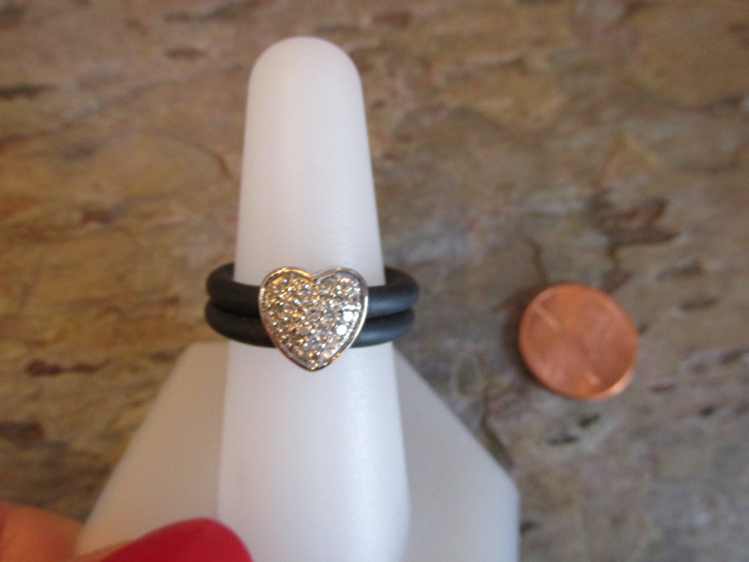 estate 14kt white gold pave and rubber ring