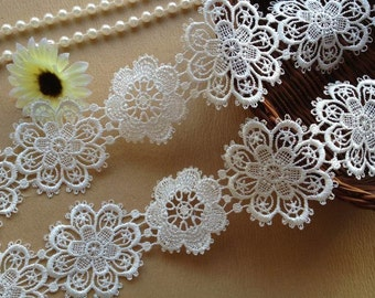 Lace Trim - Off White Venise Lace Flower Design for Fashion And Craft Projects Costumes Altered Couture Dresses