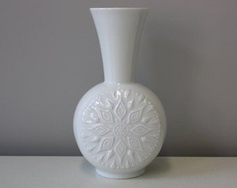 White vase vintage /  porcelain vase / home decoration / wedding gift / Vohenstrauss Seltmann, Germany 60s 70s