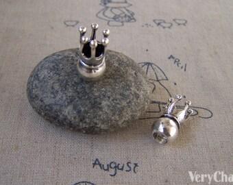 10 pcs of Antique Silver 3D Crown Queen Beads 17x20mm A5431