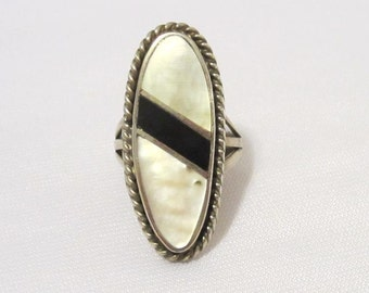 Vintage Sterling Silver Inlay Mother Of Pearl & Black Oynx Long Ring Size 6