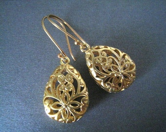 Filigree Gold Earrings, Gold Paisley Filigree Drops, Vermeil Wires