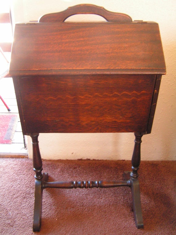 Antique Sewing Cabinets Furniture - Photo : Vanity Singer Images. Singer Sewing Machine Base Ideas