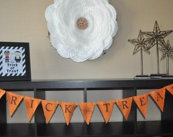 Trick or Treat burlap banner, fall, home decor; mantel decor, holiday banner, halloween