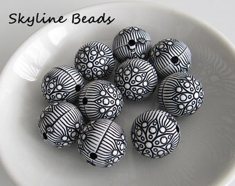 10 Black and White Round Acrylic Beads - 18mm