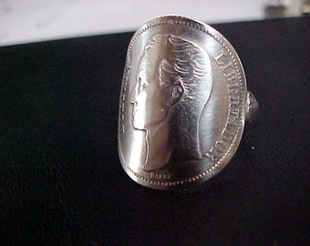1945 ONE BOLIVAR WENEZUELA coin ring with sterling band size 7..