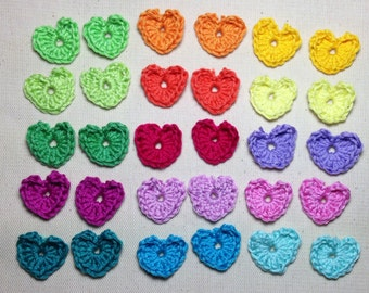30 Crochet applications colorful hearts. 2 for every color. 30mm.