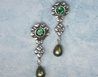 Green Quartz and Freshwater Pearl  Sterling Silver Earrings