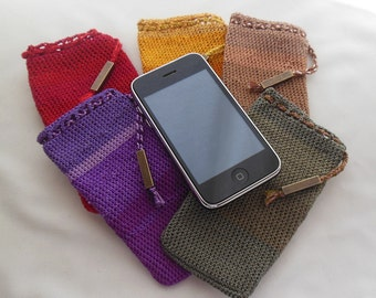 Crochet pocket for Iphone 5 and similar size devices (1 pocket of each color available). Original price: 20.00 USD