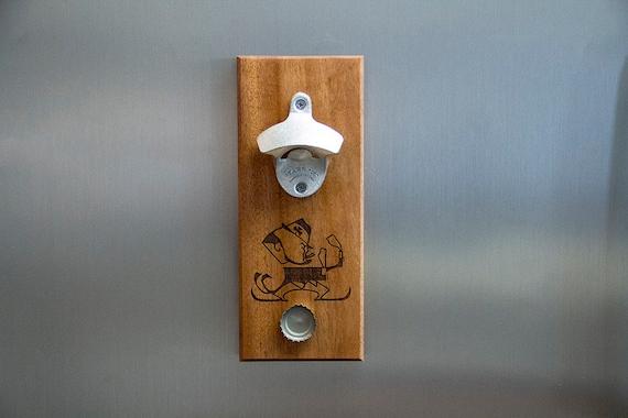 magnet bottle opener with magnet cap catch notre dame. Black Bedroom Furniture Sets. Home Design Ideas