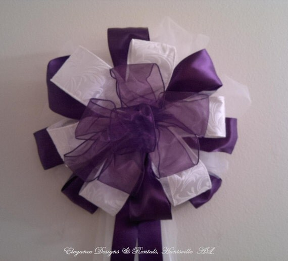 Items similar to purple and white wedding pew bow wreath for Decoration fenetre bow window