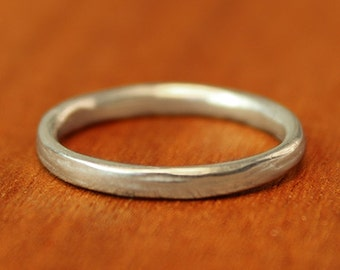 Narrow RIver Wedding Band in sterling silver. Women's wedding band. Alternative Wedding Ring.