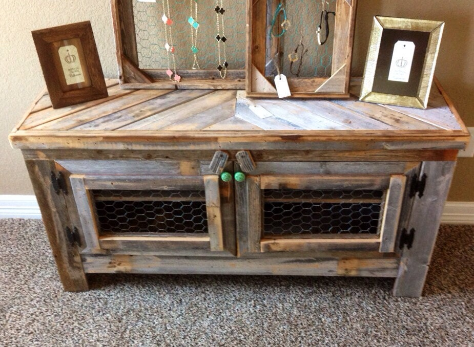 Barn wood style tv stand reclaimed wood by restorationcrown for Meuble bois de grange