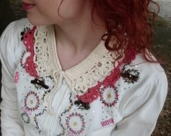 Crocheted Collar with Flower Detail in Cream and Coral