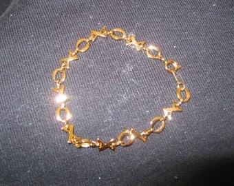 """Avon """"Love & Kisses"""" Bracelet"""