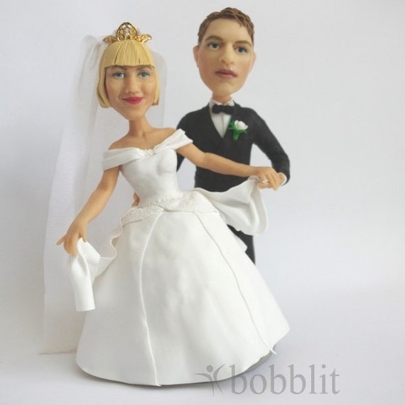 wedding cake toppers that look like bride and groom personalized wedding cake topper made to look like you 26608