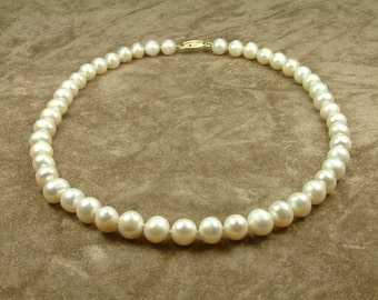 White Pearl Necklace 9 - 10 mm (Κολιέ με Λευκά Μαργαριτάρια 9 - 10 mm)