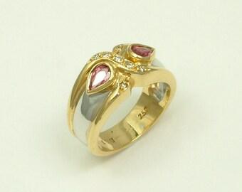 Gold 18k Ring with Rubies and Brilliants (Χρυσό 18k Δαχτυλίδι με Ρουμπίνια και Μπριγιάν)