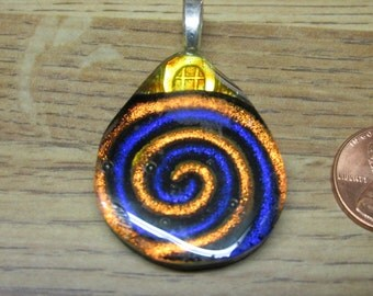 Dichroic Glass Pendant 30 mm