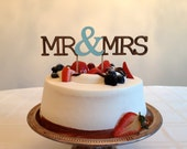 Mr & Mrs - Modern (Single Line) Wedding Cake Topper With Ampersand Accent