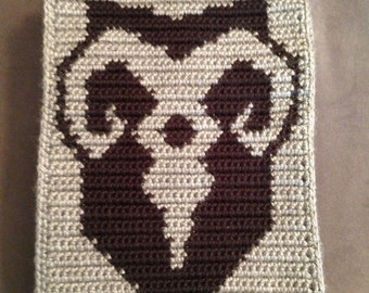 Skyrim inspired crochet/cross-stitch PDF pattern of Markarth crest